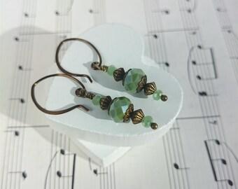 Green Drop Earrings. Vintage Earrings. Green Earrings. Bronze Earrings. Bead Drop Earrings. Small Drop Earrings. Green Dangle Earrings.