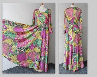 Awesome 70s Vintage Maxi Dress // Jobi // Bright Colors // Circle Skirt // Size 38