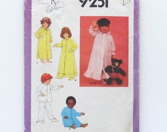 Vintage Toddlers Nightgown, Pajamas and Robe Sewing Pattern - Simplicity #9251 - Size 1 (Chest 20 - Waist 19 1/2)