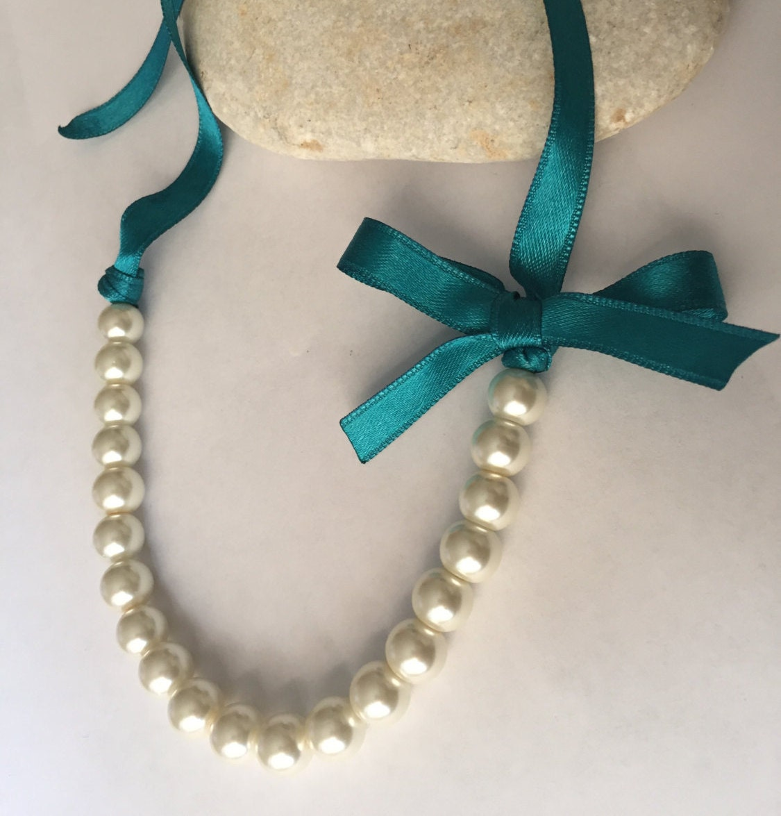 Pearl necklace with ribbon tie ivory 10mm pearls and teal for Ribbon tie necklace jewelry
