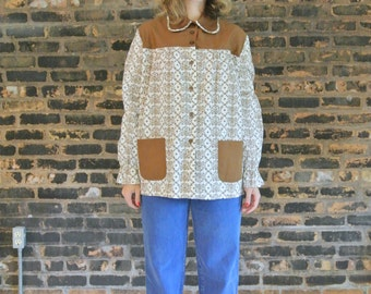 1970's Vintage/ White / Brown Floral/ Peter Pan Collar/ Long Sleeve /One Size/ Button Front/ With Pockets/Swing Top