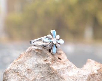 Sterling Silver and Mother of Pearl Flower Ring