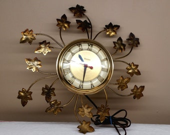 Mid Century Modern Plugin United Clock with Maple Leaves Design