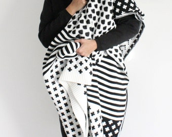 Super Cozy and Warm Black&White Knitted Wool Blanket