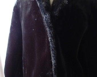 vintage fake fur coat; womens fake fur coat; vintage fake fur jacket; dead stock fake fur; 80s fake fur; vegan fur coat; faux fur coat