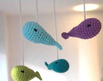 Crochet mobile whales (green/purple/turquoise)