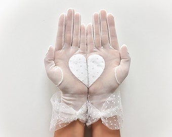 Bridal Gloves, Heart Gloves, Wedding Gloves, Lace Gloves, Wedding Accessories, Bride Gloves, Boho Wedding, Rustic Wedding, Bridal Mitten