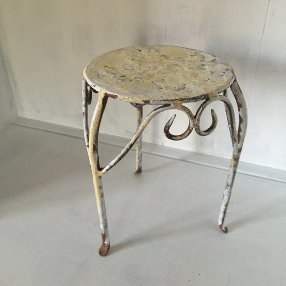 Small Rusty Stool Metal Shabby Chic Round Cottage Milking