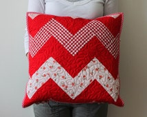 red quilted pillow ZIG ZAG/ red white quilted pillow cover/ decorative christmas pillow/ xmas decorative cushion/ red white quilt xmas