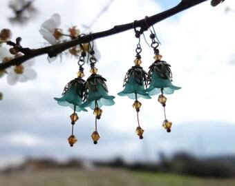 Flower Earrings - Floral Earrings - Woodland Earrings - Boho Earrings - Bohemian Earrings - Dangle Drop Earrings - Topaz Earrings - Green.