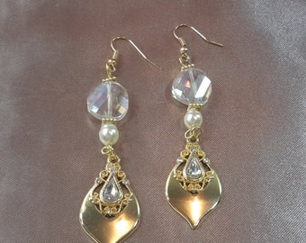 Gold and crystal victorian dangel earrings