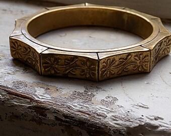 FREE SHIPPING Vintage Brass Bangle Bracelet
