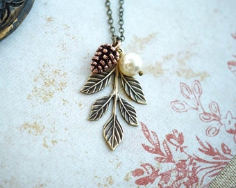 Pinecone Pearl Oak Leaf Necklace. Pearl Rustic Nature Jewelry. Bridesmaids Gifts. Leaf Pinecone Oak Leaf Necklace, Bridal Woodland Oak