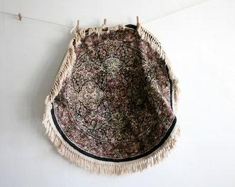 Round Persian Velvety Rug