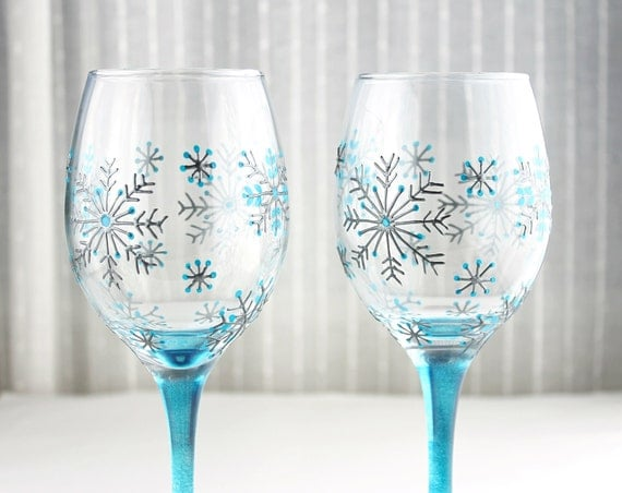 Wine glasses snowflake glasses hand painted christmas for Hand painted wine glass christmas designs