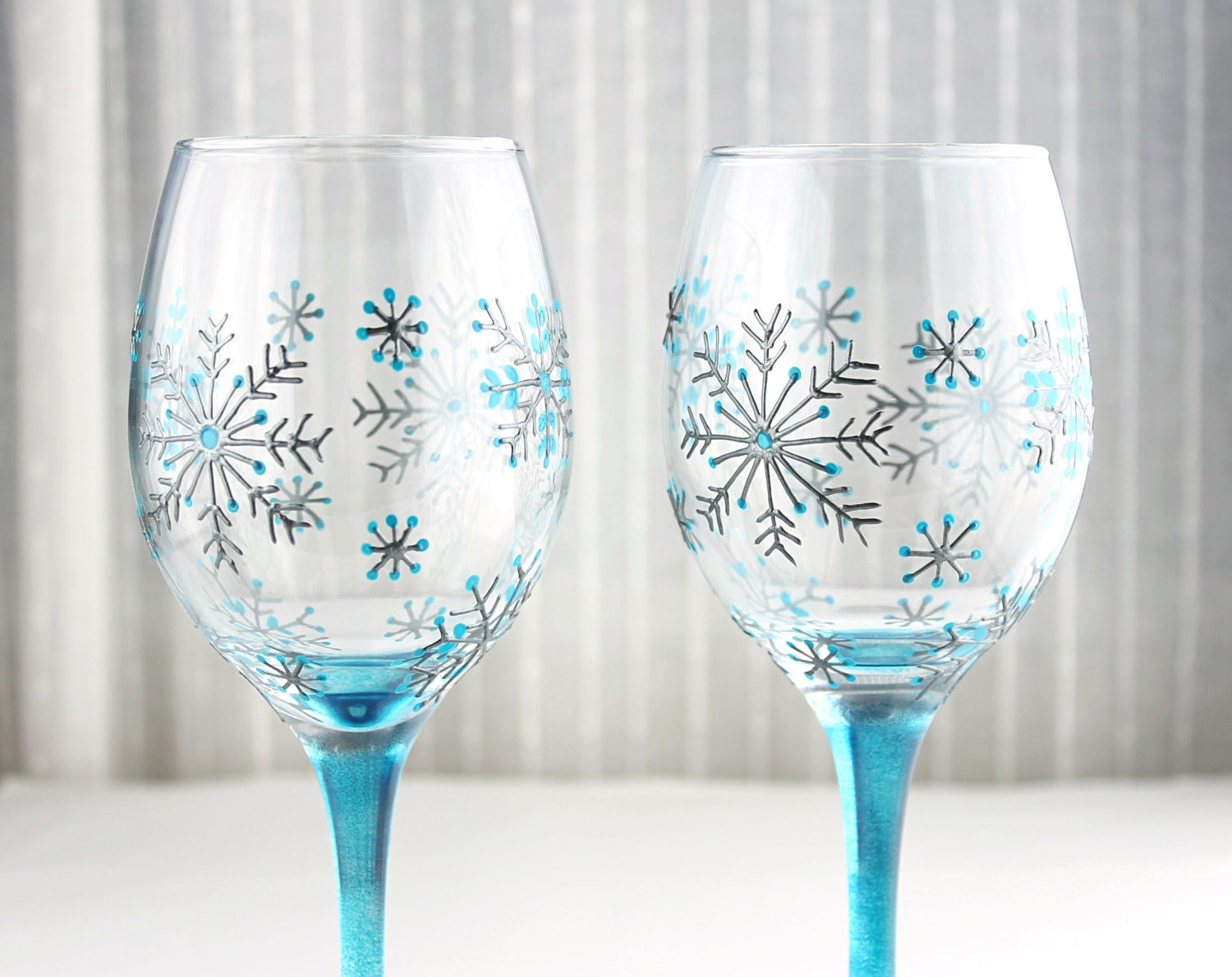 Wine glasses snowflake glasses hand painted christmas for Hand designed wine glasses