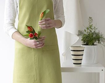 Linen Apron in Fern Green