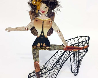 Expressive Paper Doll - Simply Spectacular