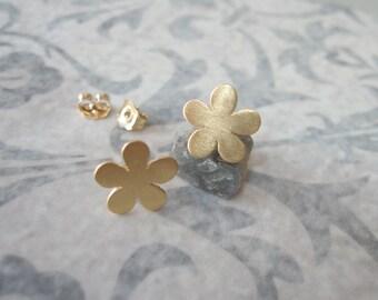 Gold flower stud earrings , Flower studs , Brushed matt gold flower post earrings , Handmade by Adi Yesod