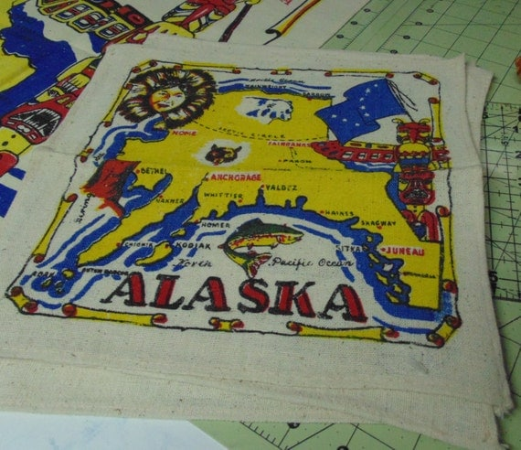 alaska tablecloth and napkins kitsch kitchen nos linens set