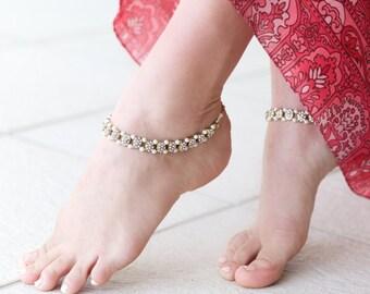 Indian Kundan gold tone rhinestone  and pearl wedding anklet.