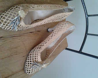 """Vintage 40s/50s Shoes/Straw Woven/Ivory Leather Heels & Soles/""""Mandels""""/Sz 8.5~ 9 M/Pumps/Slip ons/Toe Clips/Mad Men/Tiki Hawaiian Tropical"""