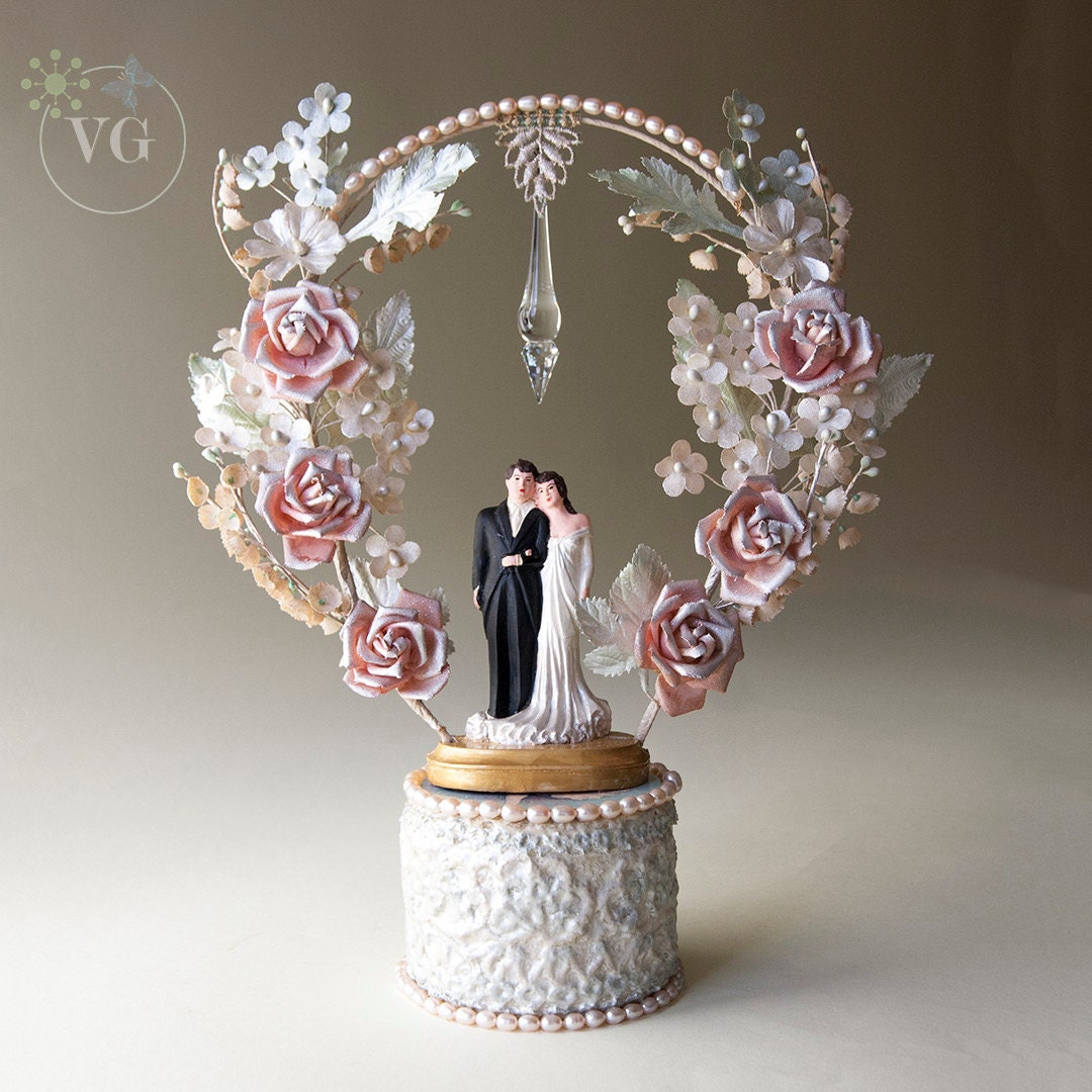 Wedding Cakes Toppers: Swarovski Crystal Vintage Wedding Cake Topper With Cultured