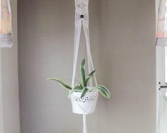 Macrame plant hanger, modern macrame, rope hanger, boho plant hanger, hanging planter, pot hanger, indoor plant hanger