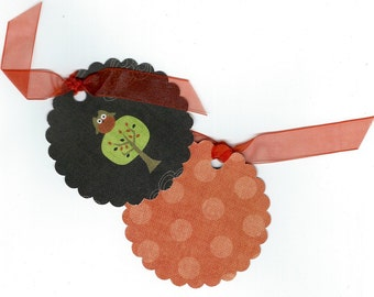 Six Cute Owl Sitting in a Tree Scallop Circle Fall Halloween Gift Tags, Hang Tag Set, Gift Tag Set, Trick or Treat Embellishment PSS 2933