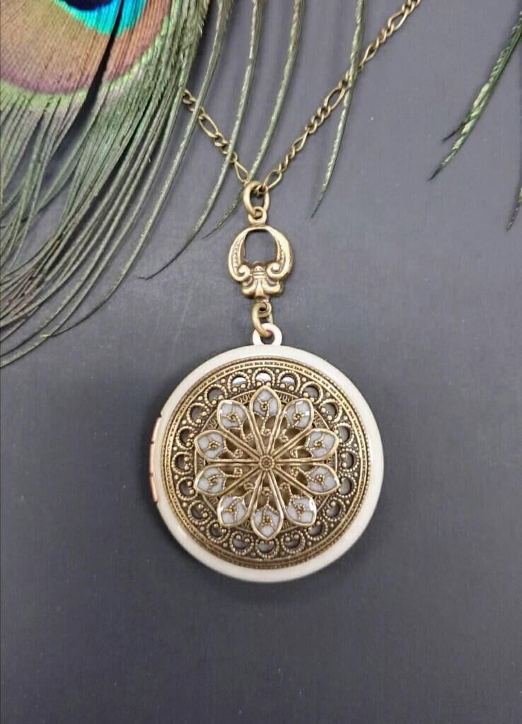 vintage style locket necklace vintage antique brass by. Black Bedroom Furniture Sets. Home Design Ideas