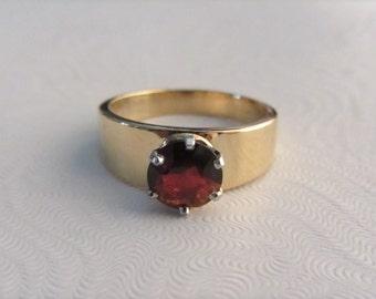 14k Yellow and White Gold Dark Red Garnet Band Ring Sz 7.75-8 - 5.81g