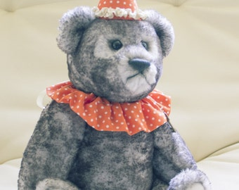 Teddy bear Chinch 11,81 Inches (30 cm) OOAK, Mouton faux fur, grey