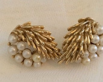 SALE ****Glamorous 1960s Trifari Faux Pearl Brushed Gold Tone Earrings