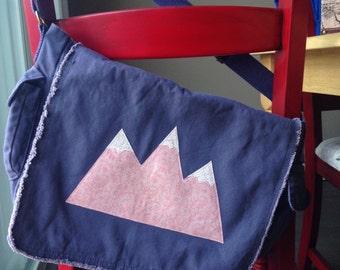 Mountain Messenger Bag (Canvas)