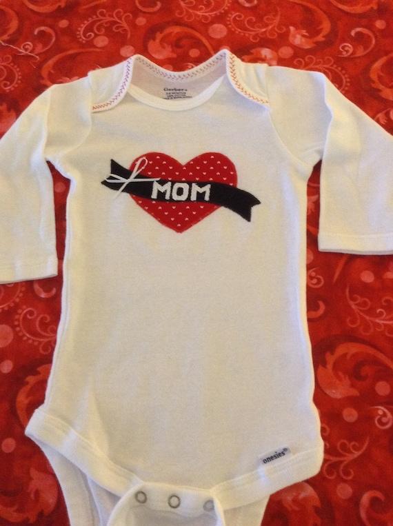 Baby girl's heart appliqué onesie bodysuit