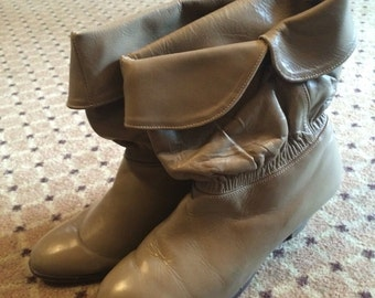 Vintage tan ankle booties