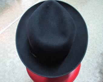 Borsalino anni 40/50 in feltro. Blu scuro. Fatto a mano. 1940's/50's dark blue hat/Bosalino/ Fur felt/Hand made inWien
