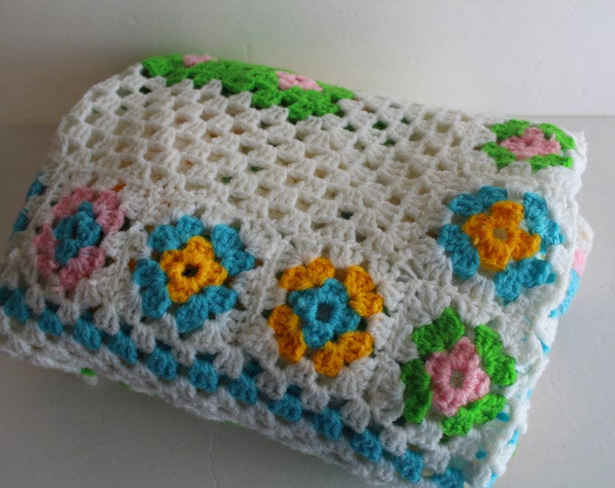 Vintage Crocheted Baby Afghan, Vintage Afghan, Baby Blanket, Crib Bedding, Nursery, Toddler Bedding, Lap Blanket