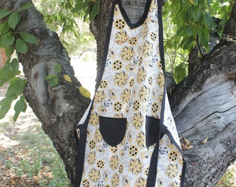 Old Fashion Apron, Yellow Flowers.
