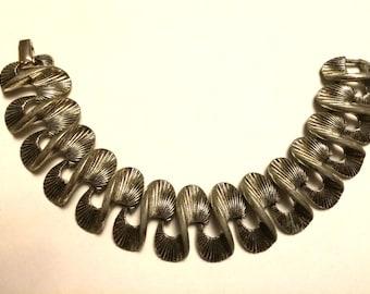 """Vintage Signed Lisner Mid Century Modern Silvertone Bracelet - 7"""""""
