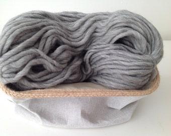 Chunky yarn, bulky yarn, thick yarn, chunky knit wool, chunky wool, super bulky wool, 100% wool, yarn, australian wool, col.5248, gray wool