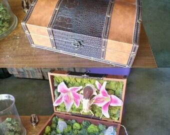 Glowing crystal decorative box