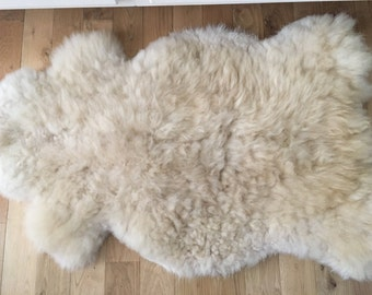 Washable, naturally tanned sheepskin