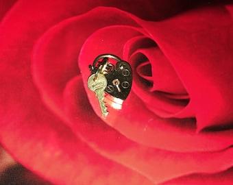 9k gold heart padlock charm