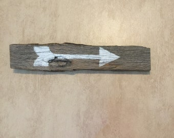Barnwood arrow reclaimed wood