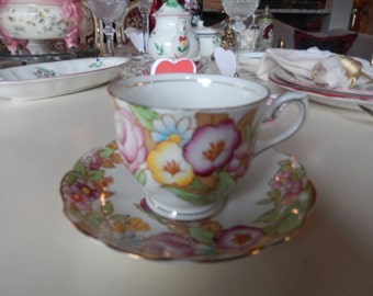 ENGLAND ROYAL ALBERT Teacup and Saucer Set