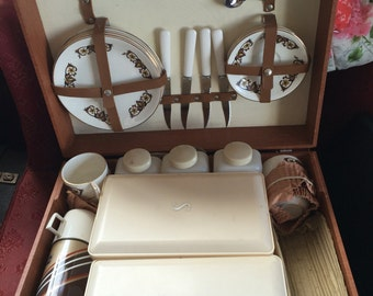 Hawker Marris Sirram vintage picnic set