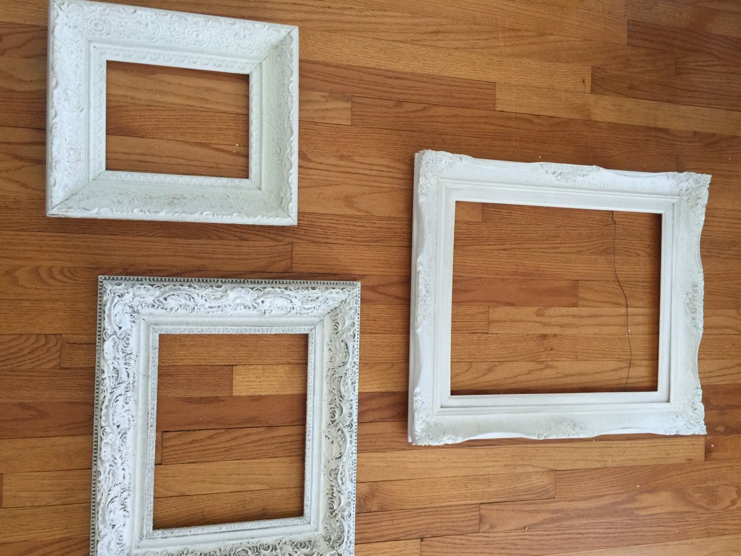 3 vintage frames shabby chic frames white frames ornate for Shabby chic frames diy