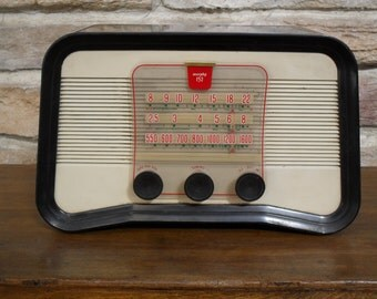 Vintage tube radio Murphy 152, made in England, fully functional.