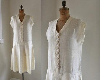 SALE ... 1920s Raw Silk Dress / Buttery Bliss Dress / Vintage 20s Day Dress / S M